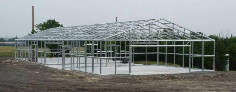 Red Roof Barndominium Frame (1 of 2)